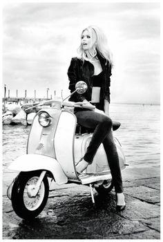 Claudia Schiffer: photo Ellen von Unwerth