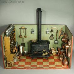 Antique dollhouse cast iron stove , Puppenstuben küchen utensilien kupfer, messing, , Antique miniature kitchen with pewter Miniature Rooms, Miniature Kitchen, Miniature Crafts, Miniature Houses, Miniature Furniture, Dollhouse Furniture, Antique Dollhouse, Wooden Dollhouse, Dollhouse Dolls