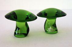 Set of Viking Art Glass Green Mushrooms  Vintage hand made little art glass mushrooms.