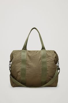 COS Lightweight fabric bag in Khaki Green Latest Clothes For Men, Khaki Green, Cos, Gym Bag, Man Shop, Fashion Outfits, Wallet, Essentials, Fabric