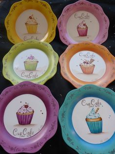 P1070520 Painted Mugs, Painted Plates, Ceramic Plates, Pottery Painting, Ceramic Painting, Ceramic Art, Pebeo Porcelaine, Pebeo Paint, China Clay