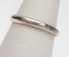 Plat & 18K Etched Wedding Band 1902 by KlinesJewelry on Etsy, $275.00