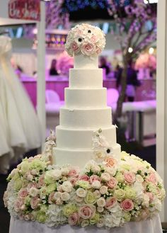 Cake Maison Wedding Cakes - http://www.5starweddingdirectory.com/articles/1114/wedding-cake-trends-for-2015.html