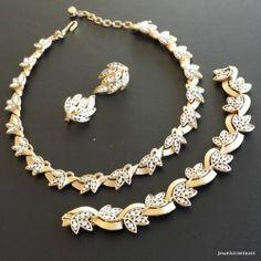 Signed Trifari Necklace Choker Bracelet Earring Set Rhinestone Leaf Flower 575 | eBay