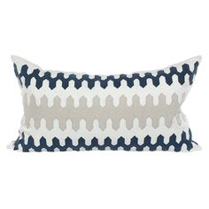 V Rugs & Home Amelie Pillow