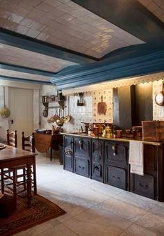 Old kitchen @⸬ e m e r e y ⸬ barbara moffett van Loon, Amsterdam