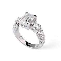 Magic Collection 18k White Gold Plated 3-Stone Emerald & Princess Cut Cubic Zirconia Engagement Ring with Cubic Zirconia Shoulders R122 (18k White Gold Plated, 7)