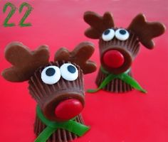 24 Christmas Fun Finger Food Ideas! Pin it to Save it! #chocolate #christmas #rudolph #foodiefiles