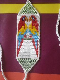 """""""Parrot"""" bracelet with seed beads. Fleur Orange, Tear, Bracelets, Parrot, Pot Holders, Weaving, Lettering, Pattern, Free"""