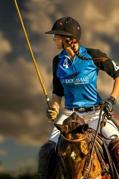 Camila Rossi plays in a tournament in Pilar, Argentina. Cow Girl, Cow Boys, Horse Girl, Style Blog, Gaucho, Princesa Alice, The Sporting Life, Polo Horse, Polo Team