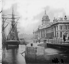 The sailing ship Adolphine moored at the Custom House in Dublin, with a swivel… Dublin Street, Dublin City, Architecture Ireland, Dublin House, Ireland Pictures, Dublin Ireland, Tall Ships, Old Photos, Vintage Photos