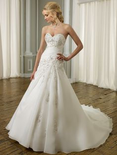 A-Line Sweetheart Wedding Gowns with A Layer of Organza with Lace over the Dress