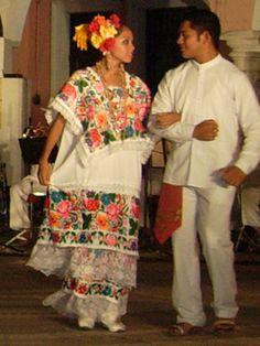 Traje típico del Estado de Yucatán, México