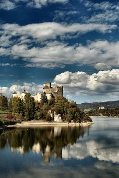 This photo from Malopolskie, East is titled 'Castle in Niedzica . The Beautiful Country, Beautiful World, Beautiful Places, Places To Travel, Places To Visit, Zen Pictures, Temple Ruins, Poland Travel, Heart Of Europe