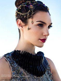 Stunning! Gal Gadot Gwen