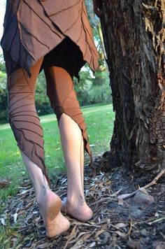 c142d85630dc 3 4 Length Textured Leaf Leggings - Assorted