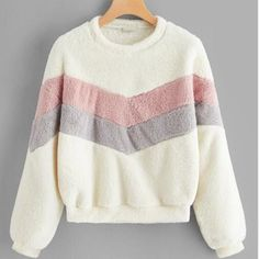 To find out about the Color-block Chevron Teddy Pullover at SHEIN, part of our latest Sweatshirts ready to shop online today! Smart Casual Jackets, Sports Sweatshirts, Hoodies, Mode Streetwear, Cute Shirts, Ideias Fashion, Jackets For Women, Fashion Outfits, Sweaters