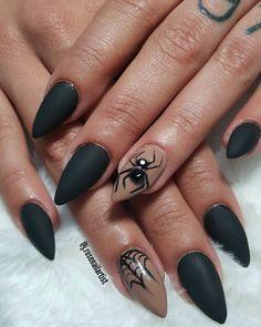 """(@j.rosenailartist) no Instagram: """"#blacknails #mattenails #halloweennails #spidernails """""""