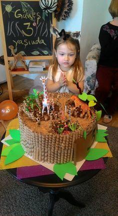 Zoo party giraffe birthday girl birthday cake
