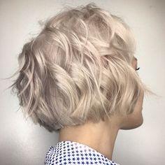 Layered Wavy Bob Haircut