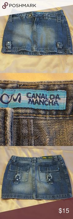 Carnal da Mancha size 36/M jeans Skirt. Very cute stone wash blue Jeans Skirt with all silver tone Hurd were. With 2 front pockets and 2 on the back. It's used but in a great condition. Canal da Mancha  Skirts Mini