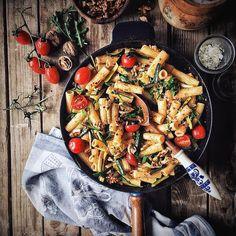 Rigatoni + Creamy Cashew Tomato Sauce  by @foodiegudi