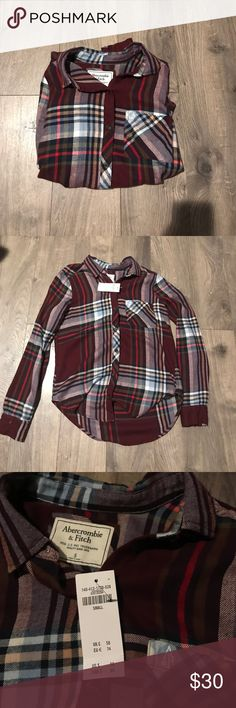 NWT Abercrombie & Fitch flannel Never worn. Size small. Very soft material. Great for fall! Abercrombie & Fitch Tops Button Down Shirts
