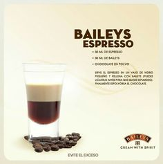 Un rico espresso con baileys Bar Drinks, Yummy Drinks, Coffee Drinks, Beverages, Drinks Alcohol Recipes, Cocktail Recipes, Alcoholic Drinks, Smoothie Drinks, Smoothie Recipes