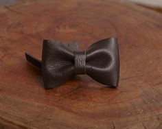 Brun Cafe - Luxury leather bow accessory for dog leash | Signe Louka