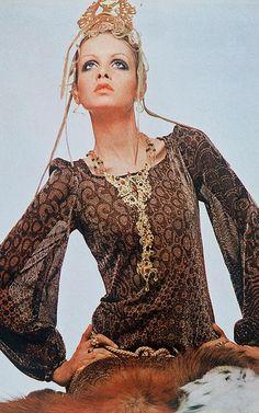 Twiggy wears Missoni in Italian Vogue, 1969