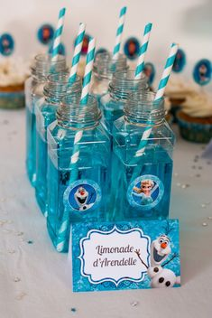 Birthday Party Decorations 609815605771698673 - Source by vcourtejaire Frozen Birthday Decorations, Frozen Themed Birthday Cake, Frozen Birthday Theme, Frozen Themed Birthday Party, 3rd Birthday Parties, Baby Birthday, Frozen 2, Frozen Cake, Disney Frozen
