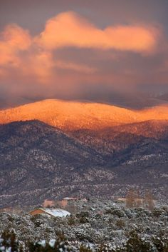 "The Sangre de Cristo (""blood of Christ"") mountains above Santa Fe, New Mexico have earned their name. New Mexico Usa, New Mexico Santa Fe, New Mexico Style, Taos New Mexico, New Mexico Homes, Southwest Usa, Southwestern Style, Colorado, Blood Of Christ"