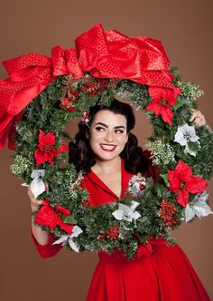 Vintage Christmas PinupGirl - pinup Yasmina Greco with a bit of Old Hollywood vintage Christmas here https://www.instagram.com/crazy4me/