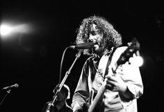 """""""Five Spanish Songs, el idilio entre Destroyer y Sr. Chinarro"""". Dan Bejar, de Destroyer, anuncia que a finales de año publicará un EP de cinco canciones firmadas por Antonio Luque, de Sr. Chinarro.  http://www.secretolivo.com/index.php/2013/09/17/five-spanish-songs-idilio-destroyer-sr-chinarro/ #indie #rock"""