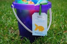 Under the Sea favor bucket - DIY favor tag from Chickabug.com