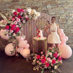 Birthday Party Halls, Cake Table Birthday, Elegant Birthday Party, 13th Birthday, Simple Birthday Decorations, Balloon Decorations, Baby Shower Balloons, Birthday Balloons, Romantic Room Surprise