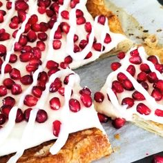 Pomegranate Tart with Lemon Cream: This Pomegranate Tart comes together in a snap and is full of flavor. It's a dessert favorite! Pomegranate Dessert, Pomegranate Sauce, Pomegranate Recipes, Strawberry Desserts, Lemon Desserts, Easy Desserts, Corn Salad Recipes, Puff Pastry Dough, Recipe Creator
