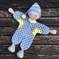 Handmade by E ★: Knuffeldoekje / Nusse-dukke Lene (NL-translation) Crochet Easter, Crochet Lovey, Crochet Toys, Knit Crochet, Crochet Dolls Free Patterns, Amigurumi Patterns, Hexagon Pattern, Crochet Animals, Baby Knitting
