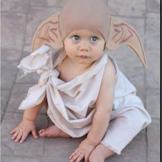 If I ever have a kid this will be there first Halloween costume! Harry potter is awesome! And so is dobey