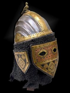 Ethnographic Arms & Armour - Sindhi helmet with face guard - hełm tatarski XV wiek. Sindhi are a Sindhi-speaking ethnic group native to the Sindh province, of Pakistan Ancient Armor, Medieval Armor, Arm Armor, Body Armor, Warrior Helmet, Islam, Armadura Medieval, Knight Armor, Historical Artifacts