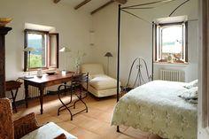 Col delle Noci Italian Villa dressing table