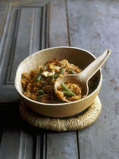 Jollof rice - kruidige rijst met tomaat, sperziebonen en kip