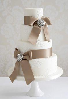 Champagne brooch cake