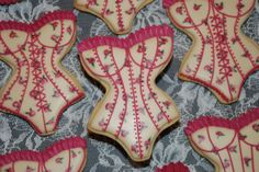 Vintage Corset Cookies - Vintage style Corset / Girdle Cookies.  Made using wet-on-wet roses.