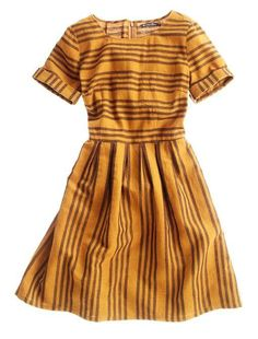 Retro Dresses Stucco Stripe Songbird Dress - stunning burnt orange/yellow hues - Click through to see our hand-picked assortment of retro dresses! Looks Style, Style Me, Basic Style, Pretty Outfits, Cute Outfits, Estilo Lolita, Look Retro, Retro Style, Vintage Style