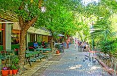 Το «Μικρό Παρίσι» της Αθήνας: Η κουκλίστικη γειτονιά που λατρεύουν οι καλλιτέχνες και αποθεώνουν τα ξένα περιοδικά