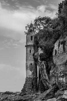 Victoria Beach Tower by O. Henry Mace, via 500px