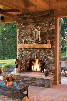 A Face for the Fireplace - Arts & Crafts Homes and the Revival — Arts & Crafts Homes and the Revival