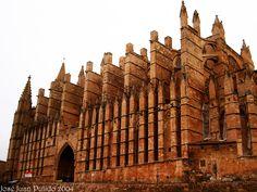 Catedral de Palma de Mallorca. Su nombre completo es Catedral-Basílica de Santa María de Palma de Mallorca. Estilo gótico. Construida entre 1229 y 1346. Cathedral Basilic of Sáint Mary of Palma de Mallorca, gothic style, building between 1229 and 1346