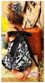 Soo want this for my baby girl! I need to learn to sew! Variation on the Pillowcase Dress - Adorable! My Little Girl, Little Princess, Little Ones, My Girl, Girly Girl, Baby Kind, Baby Love, Baby Baby, Fashion Kids